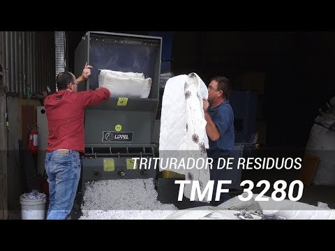 Moinho de Facas triturador de resíduos triturando espuma