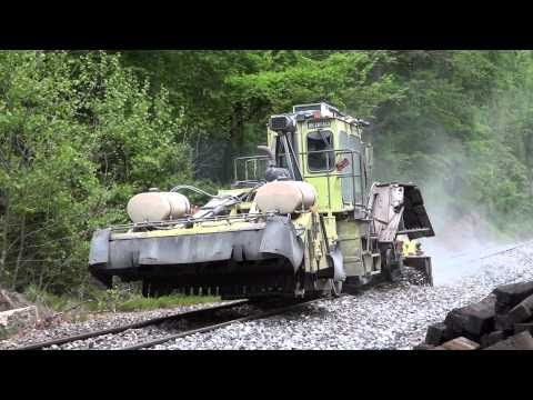 CSX MOW Crew Replacing Ties On The Old Main Line