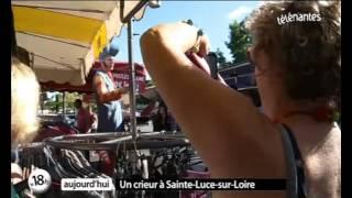 Sainte-Luce-sur-Loire France  city images : Le Crieur du marché à Sainte Luce sur Loire (Nantes)