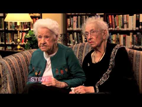 This is Priceless- Steve Harvey Gets Two 100 Year Old Women To Discuss Today's Pop Culture
