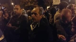Protestatarii au forțat cordonul de jandarmi în București 22 Septembrie 2016