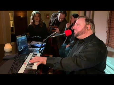 Νταβός: Το πιάνο μπαρ των επισήμων και οι άγραφοι κανόνες του!…