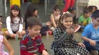Apresentação dos alunos da Educação Infantil da EMEB Vanda Badaró no Dia dos Avós 2014. Música Vovô - Palavra Cantada.