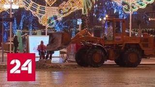 Последствия метели в столице расчищают 42 тысячи человек