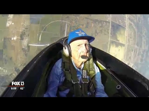 Video 96-year-old WWII pilot takes flight again in Tampa download in MP3, 3GP, MP4, WEBM, AVI, FLV January 2017