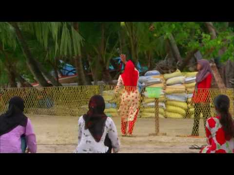 Maldives   Islands - Soneva  Gili - Maldives People ( part 4 )