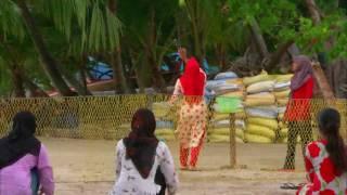 http://my.mail.ru/community/maldives./ ) Фильм полностью можно посмотреть ' В КОНТАКТЕ ' по адресу : http://vkontakte.ru/id91163648 )