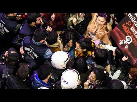 Türkei: Polizei geht gewaltsam gegen Frauendemonstrat ...