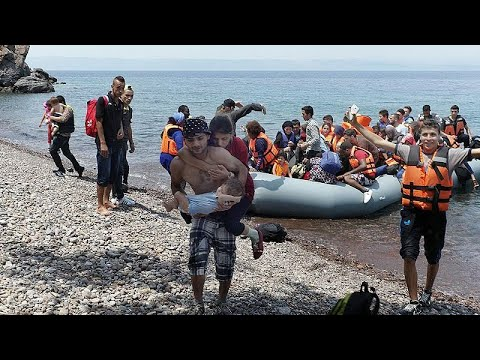 Μαζικές αφίξεις προσφύγων και μεταναστών στη Λέσβο