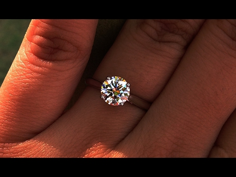 1 carat G-VVS2 GIA Certified Four Prong Solitaire Ring from Bangkok, Thailand
