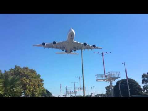 airbus-a380-ladowanie-nisko-nad-ziemia