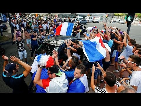 Euro 2016: Πανηγύρια από τους Γάλλους για τη νίκη επί της Ιρλανδίας