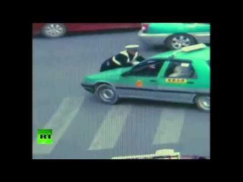 El agente y el taxista