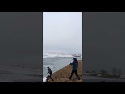 Прыжок в воду на авто с разгона
