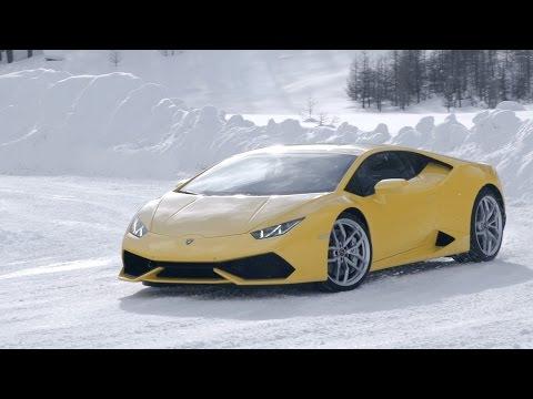 Παιχνίδι στο χιόνι στη χειμερινή ακαδημία της Lamborghini