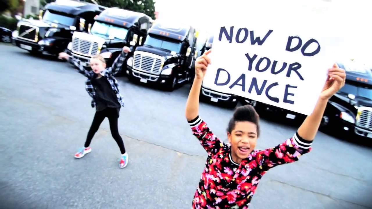 Janet Jackson – BURNITUP! Feat. Missy Elliott (Lyric Video)