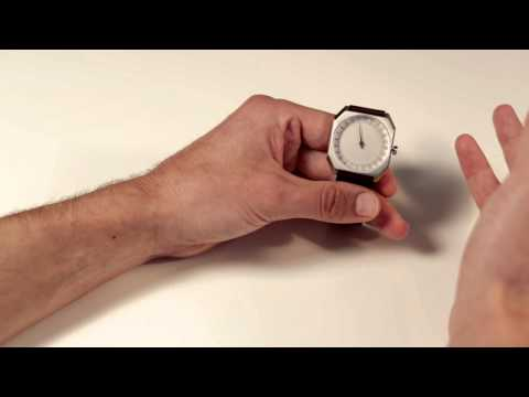 How to set the time on a slow watch