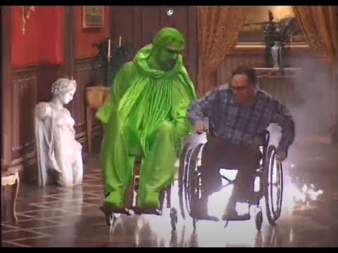 Scary movie 2  behind the scenes( Part2)