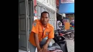 Video Tukang Parkir Ribut Sama Pedagang Es & Pengendara Mobil Di Medan MP3, 3GP, MP4, WEBM, AVI, FLV November 2017