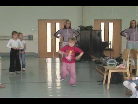 Детские танцы. Мастер-класс по хип-хопу.