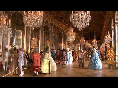 Διασκέδασαν όπως η Μαρία Αντουανέτα σε ένα πάρτι μασκέ στις Βερσαλλίες…