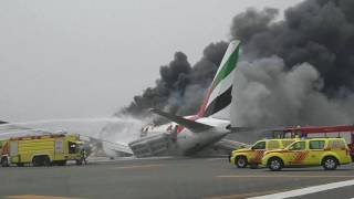 Emirates flight crash landing in dubai. All the videos