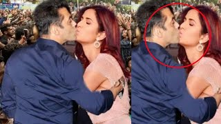 Video Katrina Kaif Openly Accept her LOVE for Salman Khan | Salman Khan & Katrina Kaif's Relationship MP3, 3GP, MP4, WEBM, AVI, FLV Desember 2018