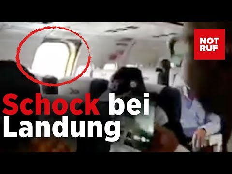 Während der Landung – Notausstieg kracht ins Flugze ...