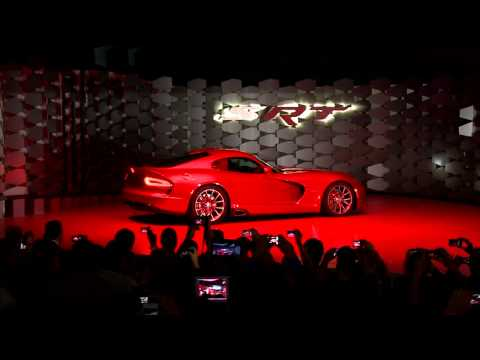 0 2013 SRT Viper   The Return of the Snake | Video