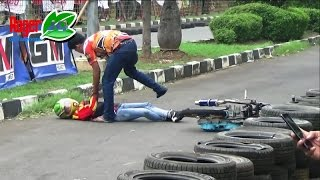 Video Detik Detik Joki Cewek Rambut Pirang JATUH GULING GULING PINGSAN ; Indramayu Drag Bike MP3, 3GP, MP4, WEBM, AVI, FLV Juni 2017