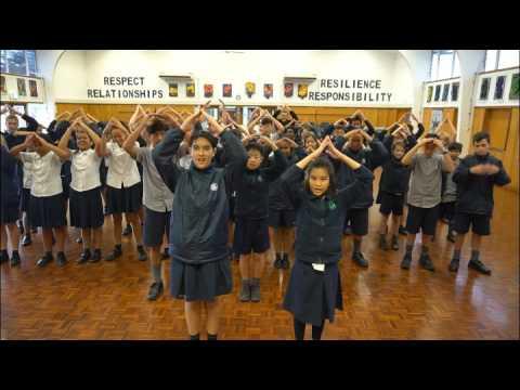 Glenfield Intermediate School video gift for CI of Auckland (видео)