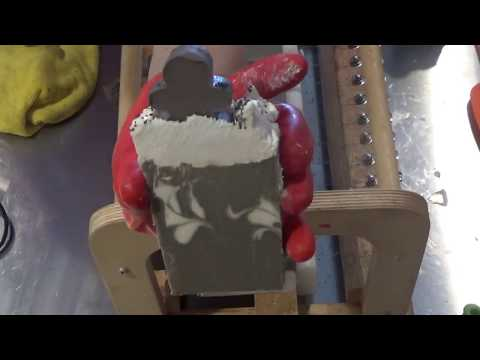 Making & Cutting Gingerbread Soap - DEMO of New Tall Skinny Mold.mp4