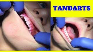 Abonneer en like deze video. Het kost je alleen een muisklik. Dus verder helemaal gratis!➡️ Gister zagen jullie de Q&A bij de tandarts en vandaag zien jullie hoe mijn controle is verlopen. Poets ik wel goed 😬 en heb ik gaatjes? En welke smaak fluor vind jij lekker?Groetjes Marina #YouTubeQueenJOEHOEHOE…http://www.blindhappyandfree.comJe kunt mij ook vinden op:http://www.facebook.com/marinakatarinakovachttp://www.twitter.com/MarinaKKovachttp://www.instagram.com/marinakatarinakovacMusical.ly: @kuss_marinaSnapchat: kuss_marinaOf mail naar: marinakovac2004@gmail.comFan mail kan naar het postadres:Familie De ManT.a.v. MarinaDe Heerlijkheid 853344 BP H. I. Ambacht#YouTube #Google #Blind #