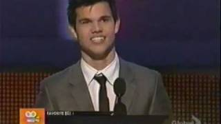 Taylor Lautner Wins Breakout Movie Actor  @ People's Choice Awards 2010