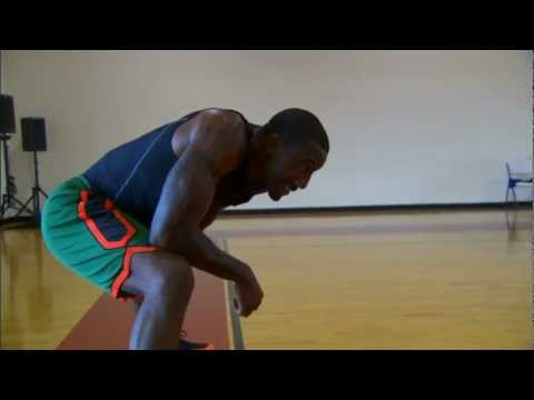 stoudemire - Amar'e Stoudemire works on his post moves with the living legend Hakeem