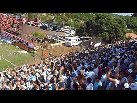 Recibimiento Aliancista en San Miguel - Alianza (1-2) Águila - La Ultra Blanca y Barra Brava 96 - Alianza