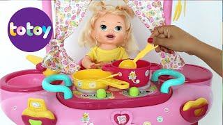 Neste video Baby Alive Sara minha boneca ganha brinquedo novo um playset 3 em 1 toma banho cozinha e muito mais!!! Totoykids Muito Legal :)                                                                                                                          Se inscreva no Tototoykids:  http://goo.gl/LLQatqFacebook: https://www.facebook.com/tototoykidsTototoykids Playlists e videos: Baby Alive Minha Boneca Sara e Maquininha de lavar Roupa!!! Em Portugues Tototoykidshttps://www.youtube.com/watch?v=Xp-8tauDjUk&list=PLp_e7tiw6uilb5J5hifZLInumA_RQD56o&index=2Baby Alive Minha Boneca Fazendo vestido Massinha De Modelar Play-Doh Branca de Neve!!! Tototoykids https://www.youtube.com/watch?v=_HnWoDtp4dg&list=PLp_e7tiw6uilb5J5hifZLInumA_RQD56o&index=3Baby Alive minha Boneca Cai e Quebra a Perna em Acidente!!! Em Portugues Tototoykids https://www.youtube.com/watch?v=DS2bgQq-YHI&list=PLp_e7tiw6uilb5J5hifZLInumA_RQD56o&index=22Baby Alive minha Boneca Atropelada!!?? Em Portugues Tototoykids https://www.youtube.com/watch?v=aa8yUAOnVuo&list=PLp_e7tiw6uilb5J5hifZLInumA_RQD56o&index=5Baby Alive com Massinha de Modelar Play-Doh fazendo Bolo Colorido!!! Em Portugues Tototoykids https://www.youtube.com/watch?v=BAWDdcCahIo&list=PLp_e7tiw6uilb5J5hifZLInumA_RQD56o&index=6Baby Alive Minha Boneca Sara e Homen Aranha com Balao Surpresa no Berco!!! Em Portugues Tototoykids https://www.youtube.com/watch?v=itwY-m9MrSU&index=7&list=PLp_e7tiw6uilb5J5hifZLInumA_RQD56oBaby Alive Minha Boneca Aprendendo a Fazer Xixi no Banheiro!!! Em Portugues Tototoykids https://www.youtube.com/watch?v=SALYyOEKAp8&list=PLp_e7tiw6uilb5J5hifZLInumA_RQD56o&index=8Baby Alive Minha Boneca Sara e Surpresas do McDonald's!!! Em Portugues Tototoykids https://www.youtube.com/watch?v=SOtHjjk4jRw&index=9&list=PLp_e7tiw6uilb5J5hifZLInumA_RQD56oBaby Alive Minha Boneca Sara Fazendo Toto no Troninho!!! Em Portugues Tototoykids https://www.youtube.com/watch?v=LYhEOwt2R5g&index=10&list=PLp_e7tiw6uilb5J5hifZLInumA_RQD56oBaby Alive M