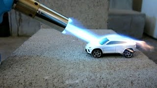 Video Toy car vs Torch! MP3, 3GP, MP4, WEBM, AVI, FLV Juli 2019