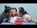 foto potong kue ulang tahun di rumah  - Happy Birthday little princess shinta ke 8