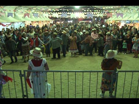 Cidade Junina chega ao fim com apresentação de quadrilhas
