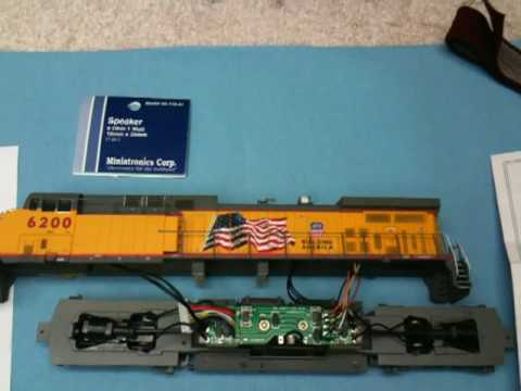 UP 6200 installing dcc sound.MOV