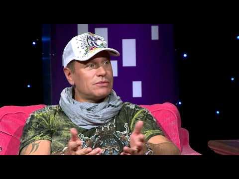 Tuomas Enbuske Talk Show - Jakso 43 - Vieraana Tauski tekijä: tvviisi