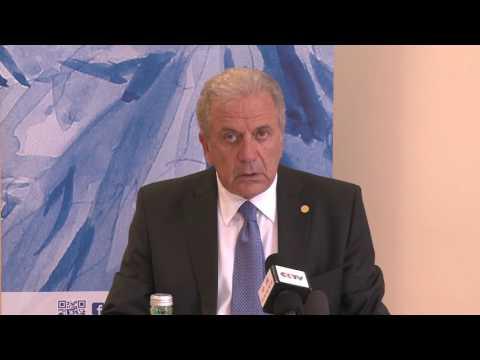 Δ. Αβραμόπουλος: Μόνη λύση μια κοινή λύση στο μεταναστευτικό
