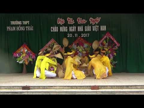 Tiết mục của lớp 12A2 - Trường THPT Phạm Hồng Thái - H.Nguyên