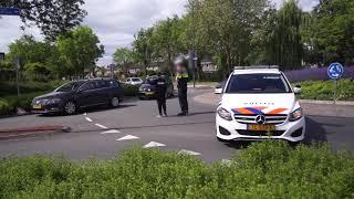Tiener Niels wordt genegeerd als die verkeer regelt bij ongeval