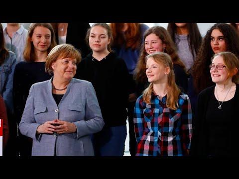 Kanzleramt: Teilnehmerinnen des »Girls Day« von Merke ...