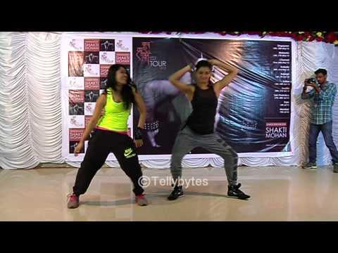 Shakti Mohan & Sneha Kapoor aka Kriya & Sharon tog