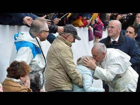 Ο Πάπας Φραγκίσκος εξήρε τη στάση της «άθεης» Σουηδίας στο προσφυγικό – world