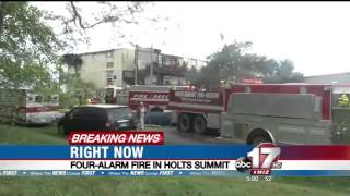 Holts Summit (MO) United States  city photos gallery : Fire destroys Holts Summit apartments