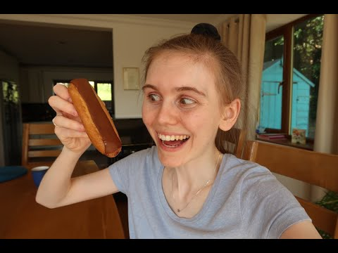 what I eat in a day - anorexia recovery - DECISIONS - granola, BANANA?! 2 pastries?! CUPCAKES, YAS